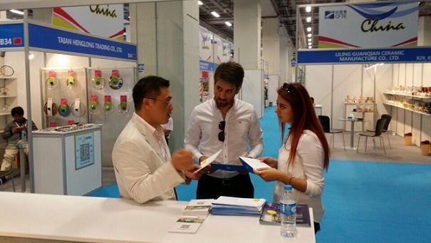全球范围出击,精准锁定客商——2015广州国际智能广告标识及LED展览会启动强势招商工作!